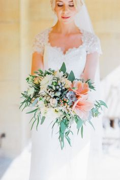 Bristol florist The Rose Shed showcases wedding flowers at Coombe Lodge