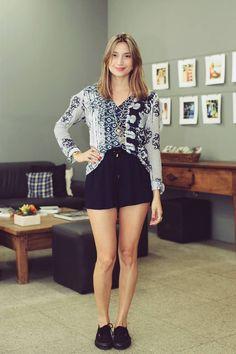 camisa estampada + maxi colar ▸ vem conferir os looks de trabalho das meninas da @eclecticrio no blog ;) http://modices.com.br/moda/os-looks-de-trabalho-eclectic/