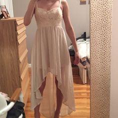 Hi-Lo dress Super cute and flowy hi-lo dress. Forever 21 Dresses High Low