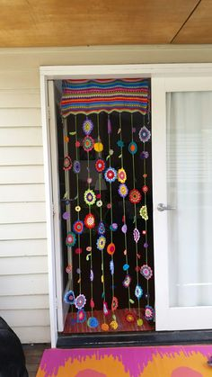 Crochet bohemian curtain Crochet bohemian curtain The post Crochet bohemian curtain appeared first on Lori& Decoration Lab. Hanging Door Beads, Large Macrame Wall Hanging, Hanging Art, Beaded Door Curtains, Crochet Curtains, Crochet Curtain Pattern, Bohemian Curtains, Bohemian Decor, Bohemian House