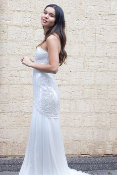 Modern wedding gown by Karen Willis Holmes - 'Florence'
