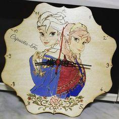 Jégvarázsos fali óra #frozen #clock #handmade #pirography #hungary #csipriota_fa Hungary, Frozen, Clock, Princess Zelda, Handmade, Fictional Characters, Art, Watch, Art Background