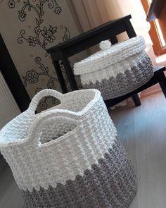 Best 12 Laundry Basket With Handles Free Crochet Pattern – SkillOfKing. Diy Crochet And Knitting, Crochet Bunny, Crochet Home, Free Crochet, Crochet Storage, Crochet Snowman, Plush Pattern, Crochet Toys Patterns, Knitting Designs
