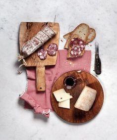 Salame e formaggio Camilla Catrambone: ritratti distintivi di famiglia