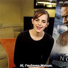 Hola, esta es Emma Watson y si no la conoces, entonces probablemente te has estado escondiendo en un refugio subterráneo desde los años 50 y me gustaría darte la bienvenida al año 2014. | 29 razones por las que Emma Watson es la luz para la vida de todo ser humano