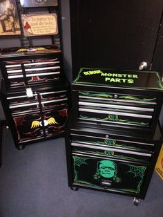 Not only for tool storage, But also great for Tattoo artist , Stylist & Make-up artist.