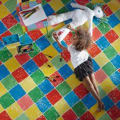 cameretta con pavimento disegno bimbi