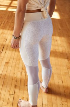 From barre class and beyond, be stylish and comfortable in the CALIA™ by Carrie Underwood Women's Mesh Back Printed Leggings. These soft, lightweight bottoms are made with wicking and antimicrobial fabric for a performance feel, while mesh piecing promotes cool breathability. A printed design creates a striking look, and a wide waistband lends a supportive fit. Look trendy and feel cozy in the CALIA™ Mesh Back Printed Leggings.