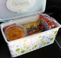 baby hacks Use an empty wipes container to store travel snacks for you kids. More awesome parenting hacks. Baby Life Hacks, Mom Hacks, Hacks For Kids, Summer Life Hacks, Travel Snacks Kids, Car Snacks, Food Travel, Travel Ideas, Toddler Travel Activities