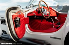 The Italian Job: The World's Fastest 427 Cobra - Speedhunters Old School Muscle Cars, Modern Muscle Cars, The Italian Job, 427 Cobra, Minding Your Own Business, Racing Stripes, Vintage Race Car, Love Car, Hot Cars