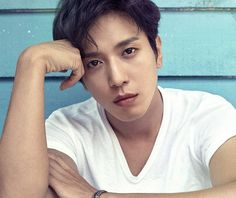 Yonghwa do CNBLUE fará seu comeback solo!