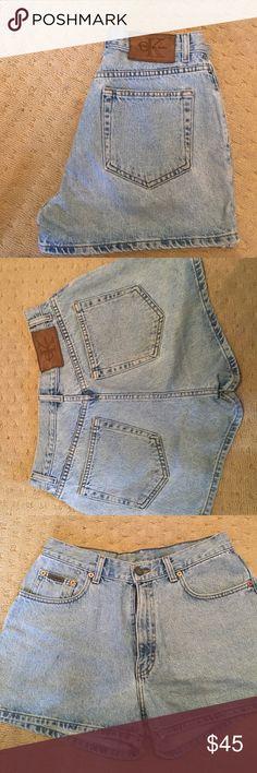 Vintage Calvin Klein High Waisted Denim Shorts Size 9. Super cute! Classic denim. 100% cotton. Made in USA. Calvin Klein Shorts Jean Shorts