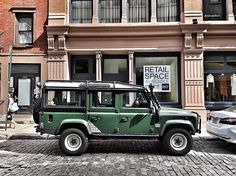 Special Correspondent @pavanbahler with the '78 Land Rover in NYC - someone please comment with the model.  I'm not even going to try to guess - ALWAYS get it wrong! (Not perfect)