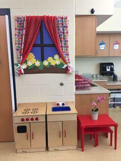 Kindergarten Play Kitchen Window Teaching Zwj Preschool Preschool Kitchen Center, Preschool Rooms, Kids Play Kitchen, Kindergarten Classroom, Preschool Room Layout, Dramatic Play Area, Dramatic Play Centers, Toddler Teacher, Toddler Classroom