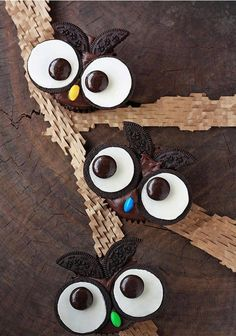 Owl Oreos!! Will attempt this to bring for Brady's birthday party for Sidney.