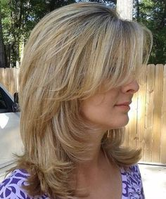 Super Creative Mid Length Hairstyles for Women With Cutest Color and Layers. Beautiful Medium Hairstyles for Women with Side Swept Bangs with Step by Step Tutorial.