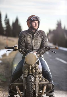 TITAN Motorcycle Company - Riders. Seek. Ride. Explore (c) Klemens König