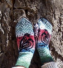 Ravelry: Bullfinch Mittens pattern by Natalia Moreva Mittens Pattern, Knit Mittens, Bullfinch, Bird Wings, Sport Weight Yarn, Bird Patterns, Finger Weights, Sock Yarn, Embroidery Stitches