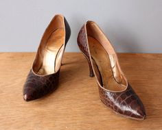 vintage 60s stilettos 7 / brown reptile leather high by GazeboTree