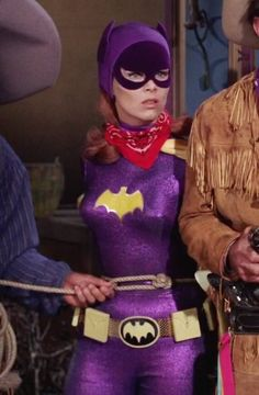 There's no such thing as posting too many pics of Batgirl in bondage. Batgirl And Robin, Dc Batgirl, Batwoman, Batman Tv Show, Batman Tv Series, Batman 1966, Batman And Superman, Batgirl Pictures, James Gordon