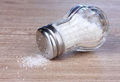 Τρία καθαριστικά που μπορείτε να φτιάξετε με βάση το αλάτι