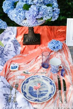 Coral velvet and blue tablescape | Ian Odendaal Photography | see more on:  http://burnettsboards.com/2015/02/love-air-styled-shoot/