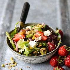 Salad w asparagus & strawberries