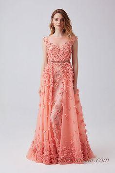 0252ada2d54c1 2019 Abiye Elbise Modelleri Somo Uzun Kolsuz transparan Yaka kloş Etek  Çiçek İşlemeli