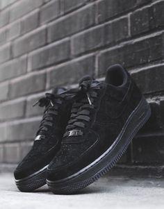 Nike Airforce 1 // Black Suede