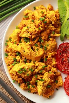 High protein and super eggy vegan tofu scramble! This hearty and satisfying vega. - High protein and super eggy vegan tofu scramble! This hearty and satisfying vegan breakfast is supe - Vegan Keto Recipes, Tofu Recipes, Ketogenic Recipes, Healthy Breakfast Recipes, Healthy Recipes, Yummy Recipes, Vegan Vegetarian, Simple Recipes, Recipes Dinner