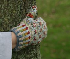 Peerie Flooers Mittens by Kate Davies  If I could make these... I'd be so cool!