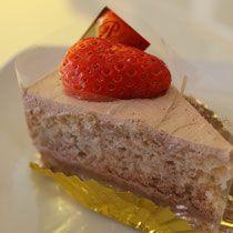"""米粉と全粒粉のイチゴショート ¥450sweets therapy - マクロビオティックshop&cafe""""スィーツセラピー"""""""