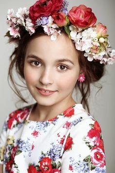 Fashion Kids. Блоги. Russian girl in traditional dress.