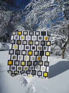 Quilt Story: Yellow and Gray Quilt from My Lift in Binding The story was great.for her first quilt, it's breath taking. 3d Quilts, Barn Quilts, Scrappy Quilts, Quilt Festival, Black And White Quilts, Black White, Gray Yellow, Grey, I Spy Quilt