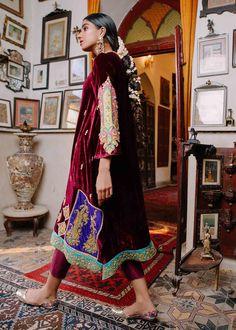 Velvet Pakistani Dress, Pakistani Dress Design, Pakistani Dresses, Girls Fashion Clothes, Fall Fashion Outfits, Girl Fashion, Fashion Dresses, Indian Suits Online, Punjabi Suits Online Shopping