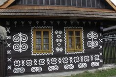 Painted Village of Čičmany – Čičmany, Slovakia - Atlas Obscura Architecture Building Design, Dyi Crafts, Round Design, Shades Of White, Fashion Room, Home Living Room, Nice View, Traditional Art, Warm And Cozy
