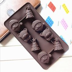 8-Bear Bell Santal Silicone Break-Apart Chocolate, Protein and Energy Bar Mold