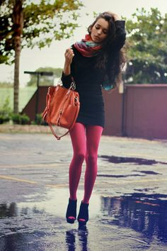 Super How To Wear Tights With A Dress Street Styles Ideas – Hosiery Designs Colored Tights Outfit, Pink Tights, Coloured Tights, Nylons, In Pantyhose, Fashion Tights, Women's Fashion Dresses, How To Wear Scarves, Mini Skirts