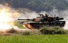 USMC M1A2 Abrams on the firing line.