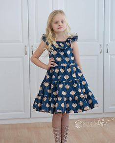 Sandy's ruffle neck tiered top and dress is just darling for all ages. Girls Skirt Patterns, Toddler Sewing Patterns, Summer Dress Patterns, Fabric Patterns, Little Girl Summer Dresses, Girls Dresses, Skirt Midi, Ruffle Skirt, Simple Dress Pattern