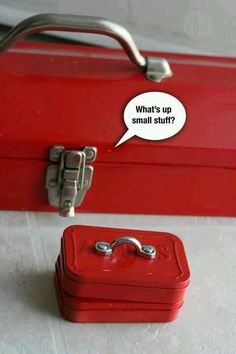 Father's day: tiny tool boxes made from mint tins. Cute for gift box idea or small gifts.