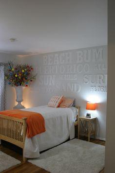 teen boy bedroom contemporary christmas decor #thespecialeventflorist