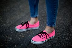 Hot pink shoes! yes!