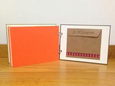 Álbum de fotos em scrapbook (páginas internas coloridas e bolso para mais recordações)