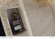 Neue Video-Türsprechanlagen und IP-Türsprechanlagen mit App helfen beim Schutz…