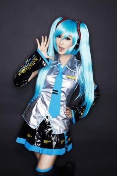 A lovely Hatsune Miku cosplay to start the week! #Hatsune #Miku #vocaloid #pretty #cosplay