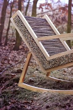 Haluz: Scandinavian-Inspired Rocking Chair With Willow Branches Cool idea that could be adapted for a restaurant. Low budget but detailed. The post Haluz: Scandinavian-Inspired Rocking Chair With Willow Branches appeared first on Dome Decoration. Natural Wood Furniture, Cool Furniture, Furniture Design, Furniture Ideas, Willow Furniture, Building Furniture, Furniture Layout, Furniture Outlet, Outdoor Furniture