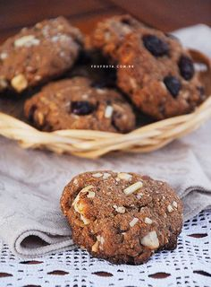 New Cookies Receita Funcional Ideas Desserts With Chocolate Chips, Chocolate Cookies, Vegan Desserts, Vegan Recipes, Easy Cookie Recipes, Sweet Recipes, Dessert Recipes, Cookie Light, Cookies Integral