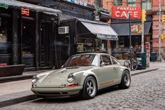 Porsche 911 Singer New York Porsche 964, Singer Porsche, Singer 911, Porsche Autos, Porsche 356 Speedster, Porsche Cars, Porsche Carrera, Porsche Build, Porsche Classic
