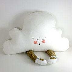 La primera nube que sale por patas